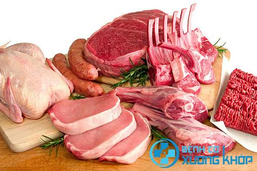Thực phẩm chứa nhiều đạm bệnh nhân thoát vị đĩa đệm không nên sử dụng
