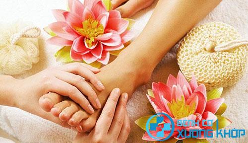 Cảm nhận những thay đổi nhờ xoa bóp bấm huyệt vùng chân