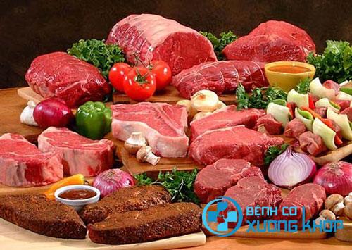 Sử dụng quá nhiều thực phẩm chứa nhiều chất béo là yếu tố nguy cơ gây bệnh