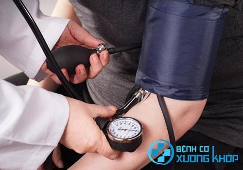 Nhận biết triệu chứng của bệnh huyết áp cao từ sớm