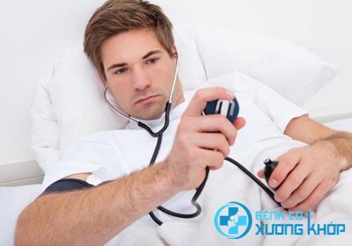 Bệnh nhân cần tăng cường nghỉ ngơi khi bị huyết áp thấp