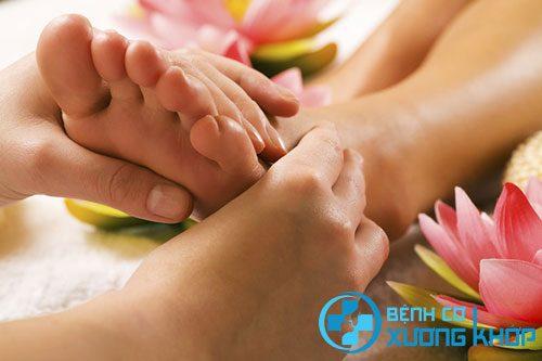 Phương pháp xoa bóp bấm huyệt gan bàn chân có lợi ích gì?
