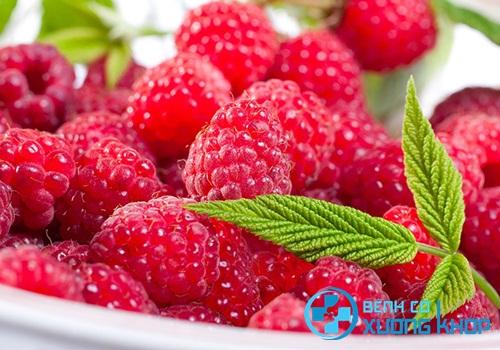Bổ sung thêm thành phần là hoa quả chín mọng