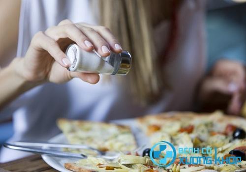 Mách nhỏ cách giảm muối trong khẩu phần ăn hằng ngày chuẩn nhất
