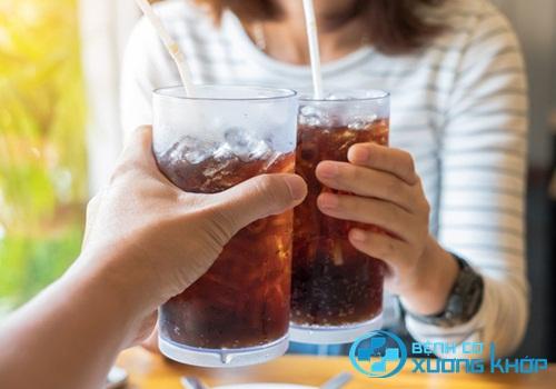 Hạn chế tối đa các đồ uống chứa chất có ga