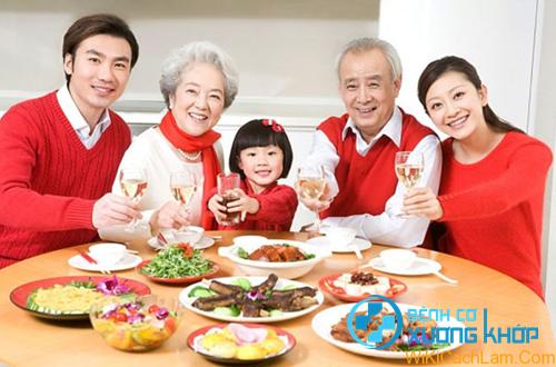 Bệnh nhân tăng huyết áp cần có chế độ ăn uống hợp lý