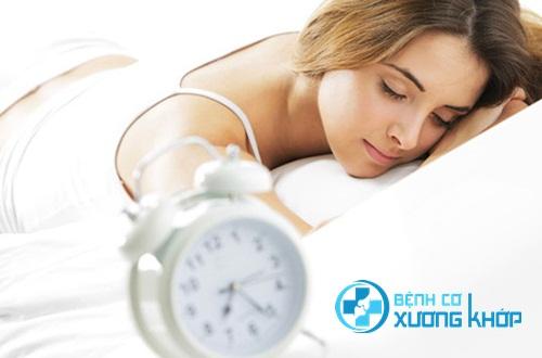 Tắt báo thức rồi đi ngủ tiếp là thói quen tai hại mà ai cũng mắc phải