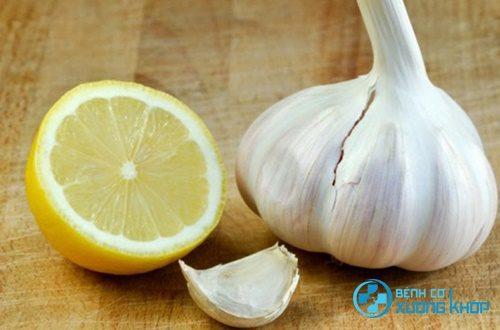Bài thuốc chữa mỡ máu hiệu quả từ chanh tỏi
