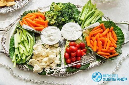 Chế độ dinh dưỡng phù hợp giúp ngăn ngừa căn bệnh loãng xương
