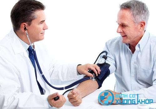 Triệu chứng và phương pháp điều trị bệnh cao huyết áp chuẩn nhất