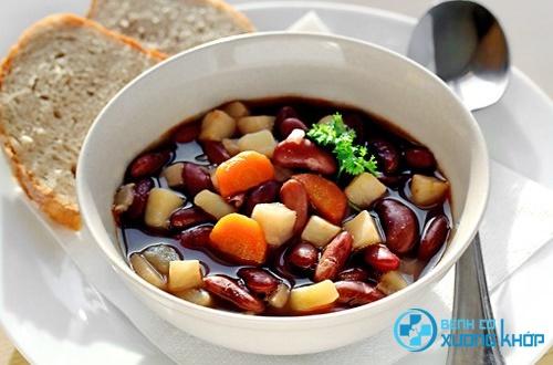 Canh sò ngao cà rốt đậu đỏ chữa suy nhược cơ thể