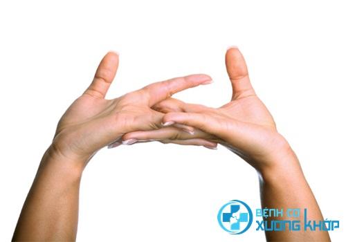Nguyên nhân khiến bạn bẻ khớp ngón tay có tiếng kêu răng rắc?