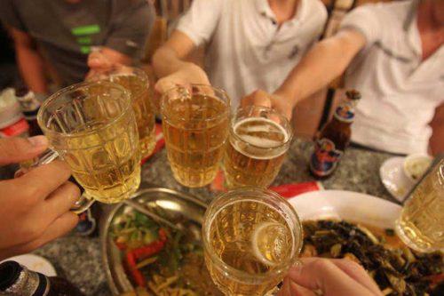 Rượu bia là nguyên nhân hàng đầu gây nên bệnh đau dạ dày và các bệnh về tiêu hóa