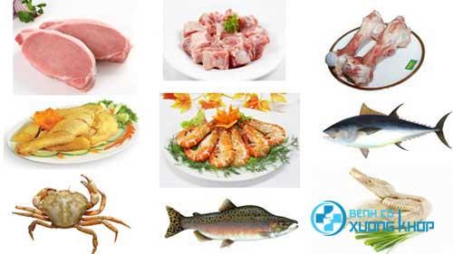 Một chế độ ăn uống đủ chất cũng rất cần thiết cho người bị thoái hóa khớp