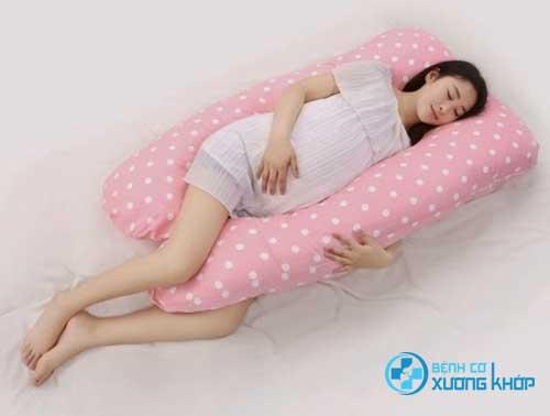 Tham khảo những cách giúp mẹ bầu cải thiện giấc ngủ