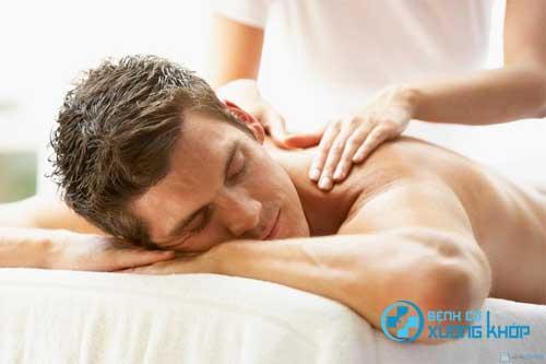 Chữa đau vai gáy bằng bấm huyệt xoa bóp giúp đem đến những hiệu quả tích cực cho người bệnh