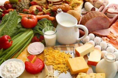 Người mắc bệnh loãng xương cần được chú trọng đặc biệt vào chế độ ăn uống
