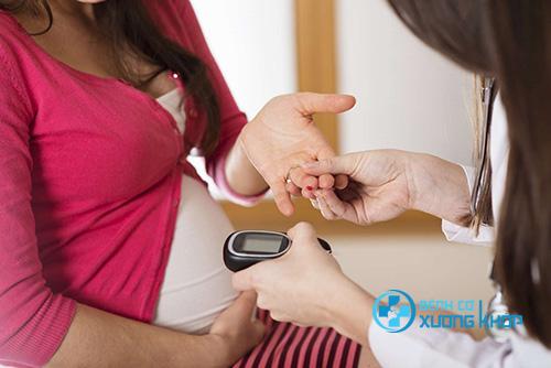 Bị bệnh tiểu đường thai kỳ có được uống sữa bầu không?