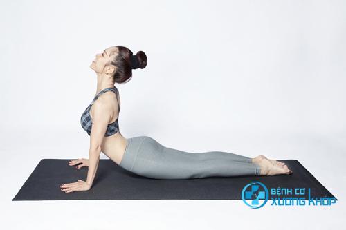 Những bài tập đơn giản từ yoga hiện đang được khá nhiều người ưa chuộng