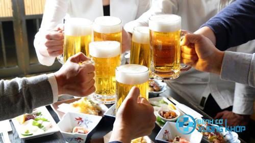 Những đồ uống có cồn không hề tốt cho sức khỏe người già