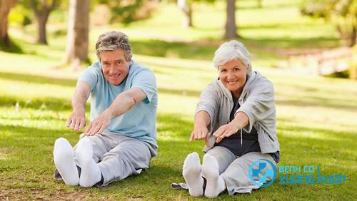 Vận động thể dục thể thao giúp hệ xương khớp của người già được tốt hơn