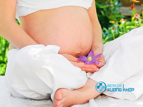 Mắc bệnh thoát vị đĩa đệm có mang thai được không?