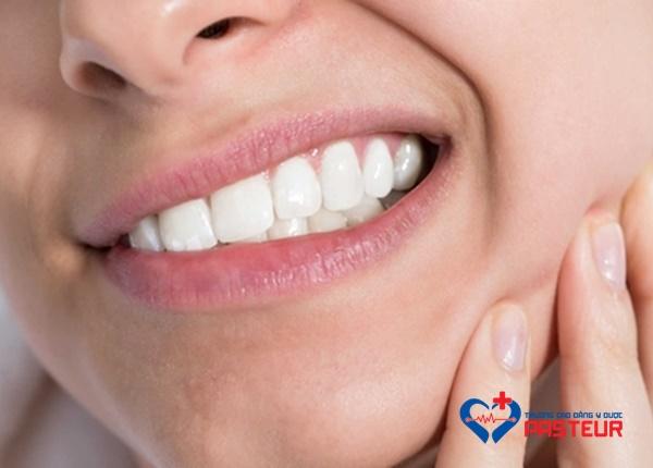 Nguyên nhân răng khôn mọc lệch ngầm